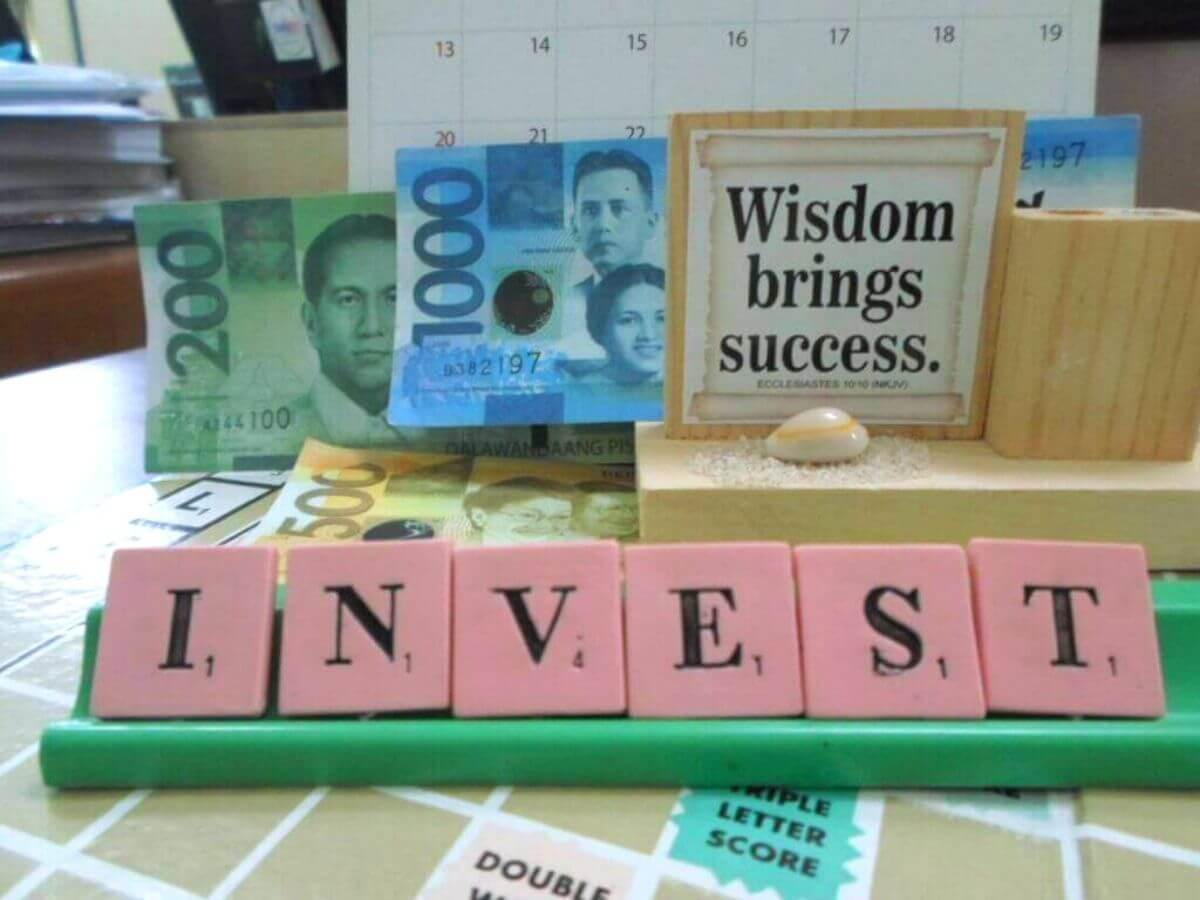 Investing by InvestmentTotal.com via flickr CC BY 2.0